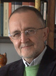 Zoran Živković drži predavanje na temu kako napisati prvi roman