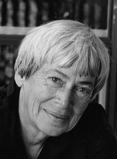 Preminula slavna autorka fantastike Ursula K. Legvin